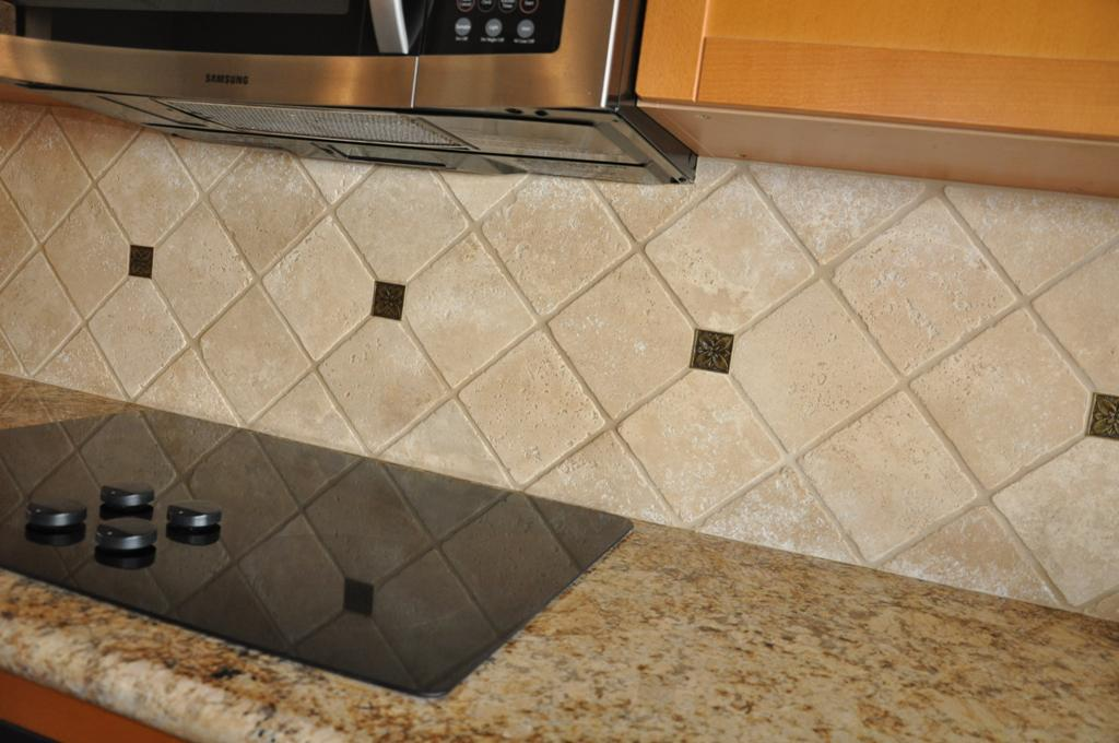 Glass accent tiles for bathroom